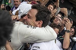 Хемілтон захотів зробити Mercedes найуспішнішою командою в історії Формули 1
