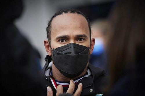 Lewis Hamilton: Kesalahan Bukan akibat Tekanan Perebutan Gelar