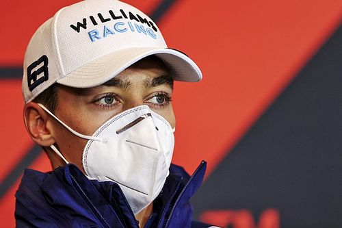 """Russell si scusa con Bottas. Wolff: """"E' un pilota da Clio Cup"""""""