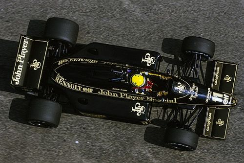 The mystery of Senna's #11 photo solved