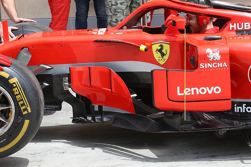 Аналіз: зміни дзеркал заднього виду машини Ф1 Ferrari