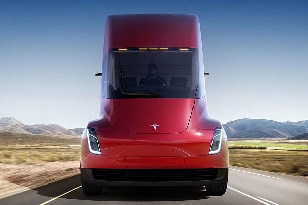 OTOMOBİL Son dakika Tesla Semi 0'dan 100'e 5 saniyede çıkıyor, 800 kilometre menzili var