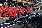 Damon Hill discute com Twitter oficial da Mercedes