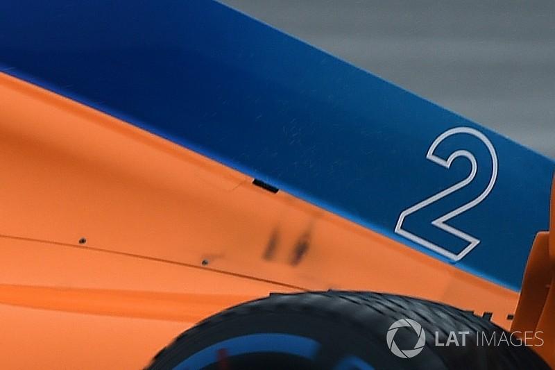 """McLaren diz que """"problema de 2 libras"""" causou perda de tempo"""
