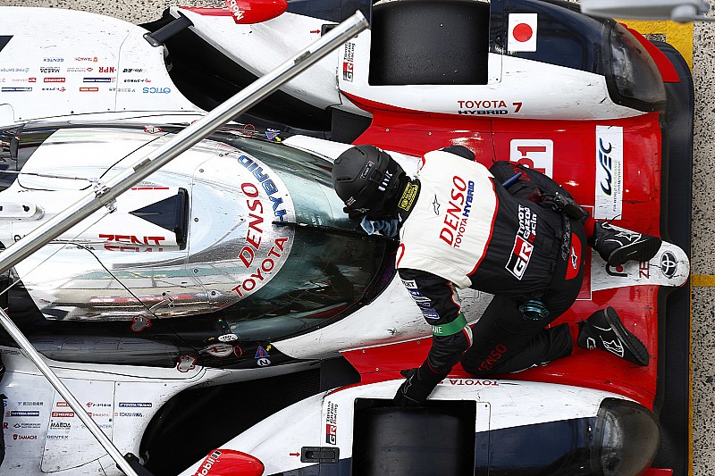 Le Mans 24 Saat - 21. Saat: #8 Toyota ile Alonso lider, #7 Toyota spin attı