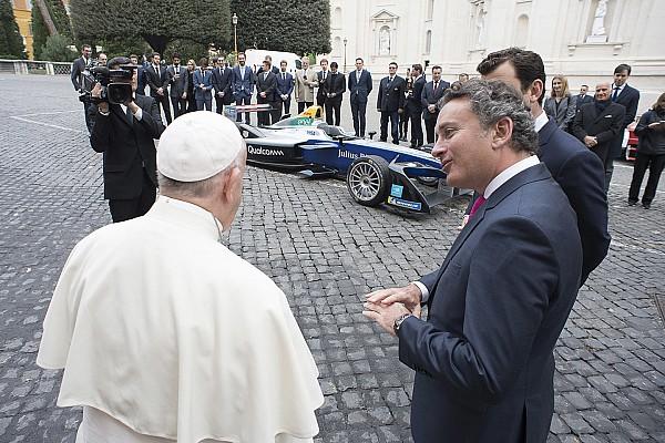Vorschau Rom: Wem hat der Papst den Siegessegen gegeben?
