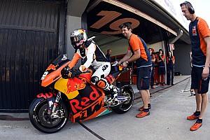 MXGP Noticias de última hora Vídeo: el campeón de motocross que probó una KTM de MotoGP