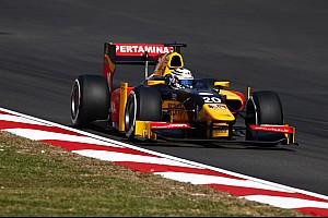 GP2 Репортаж з гонки GP2 у Сепанзі: провал Гаслі і перемога Джовінацці