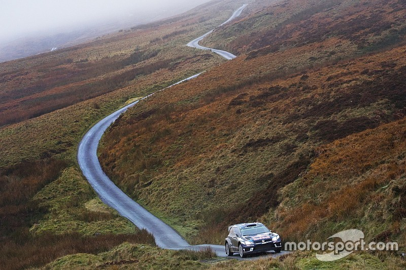 Wales WRC: Ogier closes on win, Tanak tops three more stages