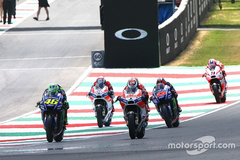 【MotoGP】ドゥカティで初の首位走行ロレンソ「中速コーナーが弱点」