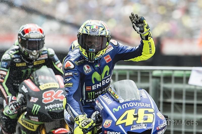 Росси впервые в сезоне выиграл гонку MotoGP