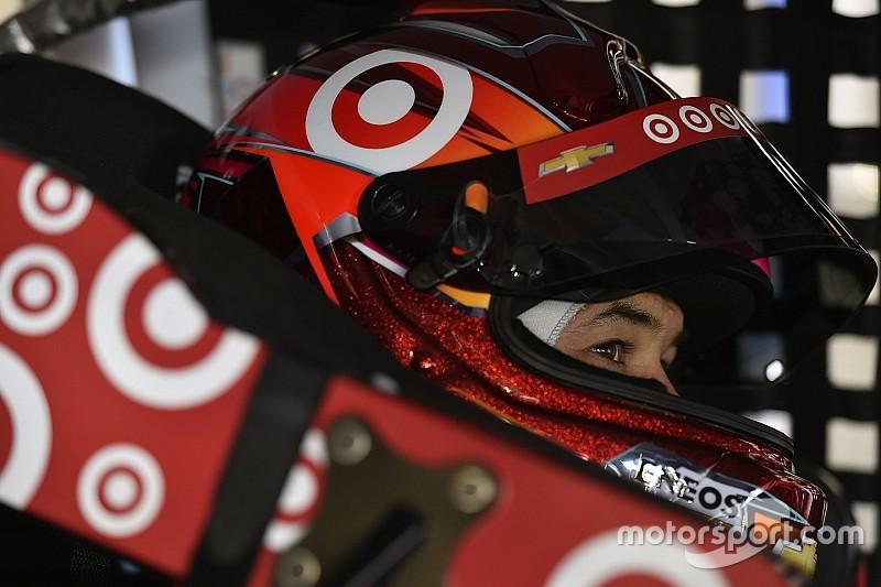 Larson lidera la primera práctica de la Carrera de las Estrellas