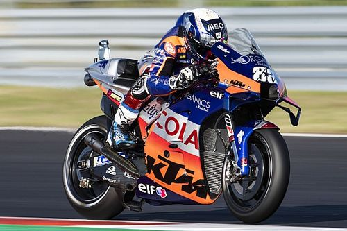"MotoGPポルトガル決勝:独走オリベイラ、母国で""完璧な""勝利。中上5位"