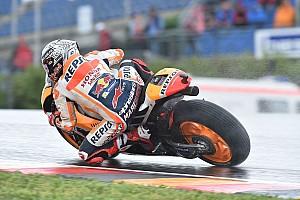 MotoGP Jelentés az időmérőről Marquezé a pole az esős Sachsenringen Petrucci és Pedrosa előtt, Rossi 9.