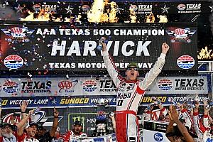 NASCAR Cup Отчет о гонке Харвик одержал победу в Техасе