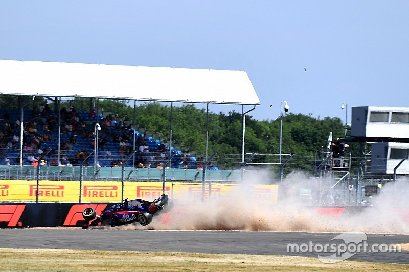 В Toro Rosso й досі не зрозуміли причину аварії Хартлі в Сільверстоуні
