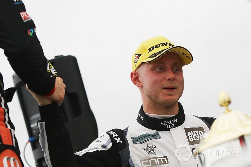 Knockhill BTCC: Sutton wins red-flagged, wet Race 2