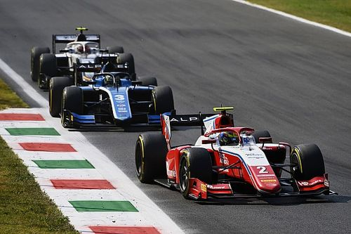 Monza F2: Piastri holds off Zhou to win feature race