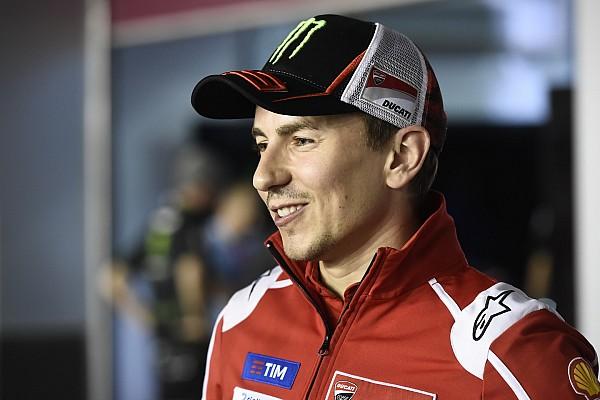 Rossi pimpin klasemen, Lorenzo ucapkan selamat