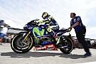 MotoGP Video: Rossi no se baja de la moto ni en vacaciones