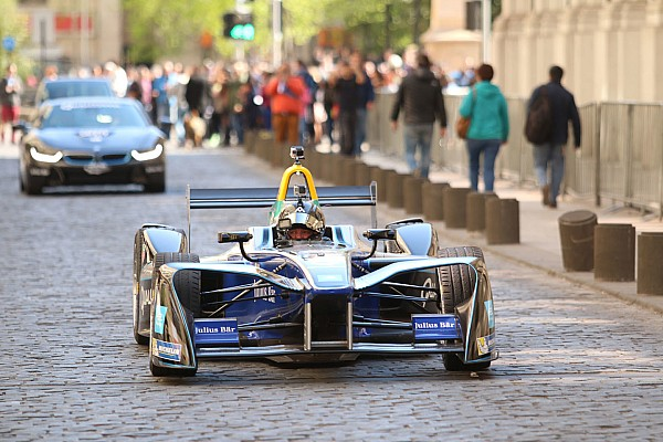 Santiago Formula E track revealed, Salazar gets demo run