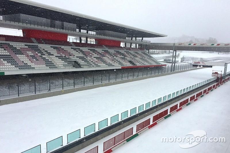 Fotogallery: il Natale è bianco anche per i circuiti quando arriva la neve