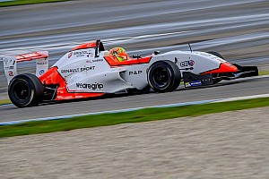 Formula Renault Race report Assen NEC: Norris keeps points lead, shares wins with Defourny