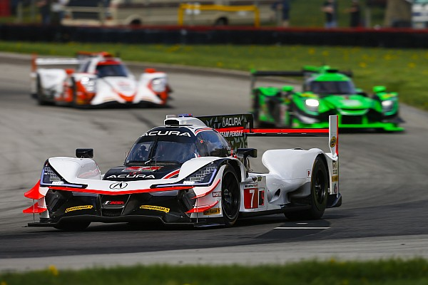 Mid-Ohio IMSA: Castroneves leads warm-up, Nasr shunts