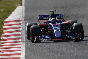 GALERIA: Confira os carros de 2017 da F1 na pista na Espanha