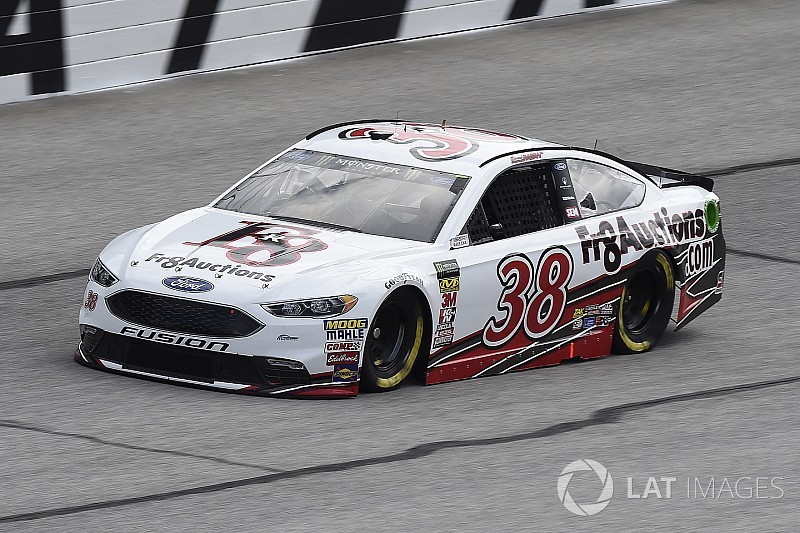 """Somehow, someway,"" David Ragan reaches his 400th NASCAR Cup start"