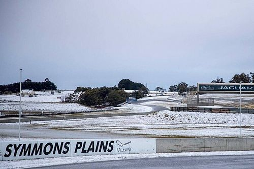 Australian circuit hit by rare snow storm