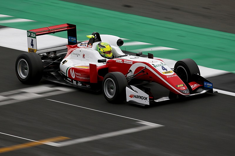 فورمولا 3 الأوروبية: شوماخر يُهيمن على السباق الثاني في سيلفرستون