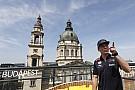 Verstappen no quiere que cambie su relación con Ricciardo