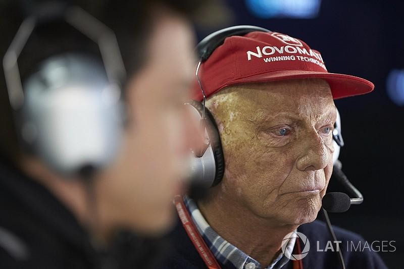 """Lauda se diz """"preocupado"""" com futuro da F1 com Liberty"""