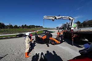 Fórmula 1 Crónica de test Otra avería del McLaren de Alonso protagoniza la última mañana de test