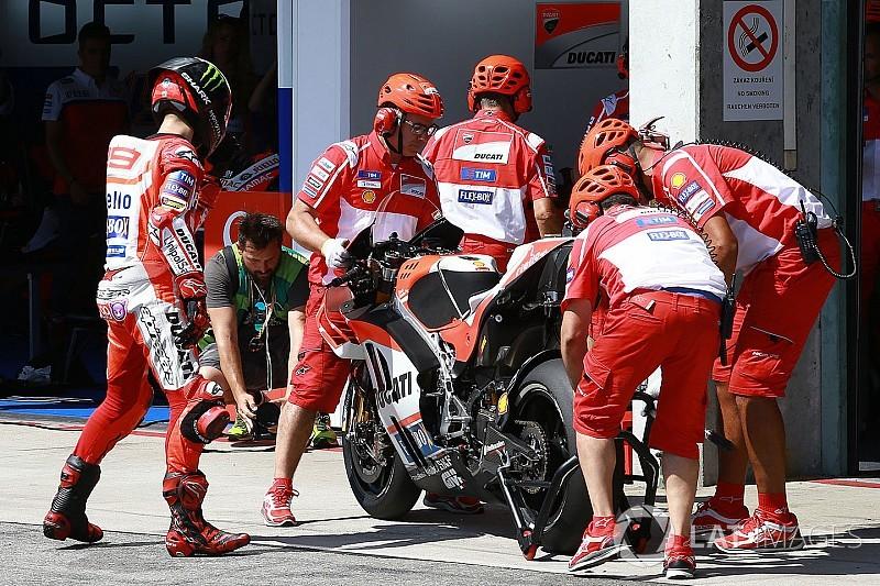 Лоренсо: У провалі зміни мотоциклів винна команда