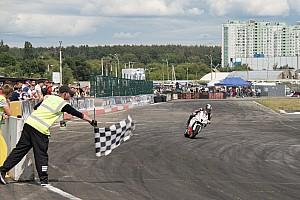 UASBK Репортаж з гонки MotoOpenFest, гонка класів Rookie: дві аварії та перемога Макухи з поула