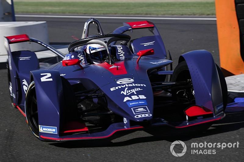 GALERIA: Confira novos carros da Fórmula E em ação em teste