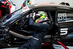 Aberdein è il primo pilota del Team WRT, che però fatica a trovare la seconda guida