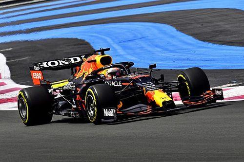 """هاميلتون: ريد بُل """"حلّقت في الأمام"""" ضمن معركة لقب الفورمولا واحد"""
