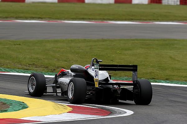فورمولا 3 الأوروبية فورمولا 3: هيوز يُحرز فوزه الأوّل في البطولة من بوابة السباق الثاني في نوربورغرينغ