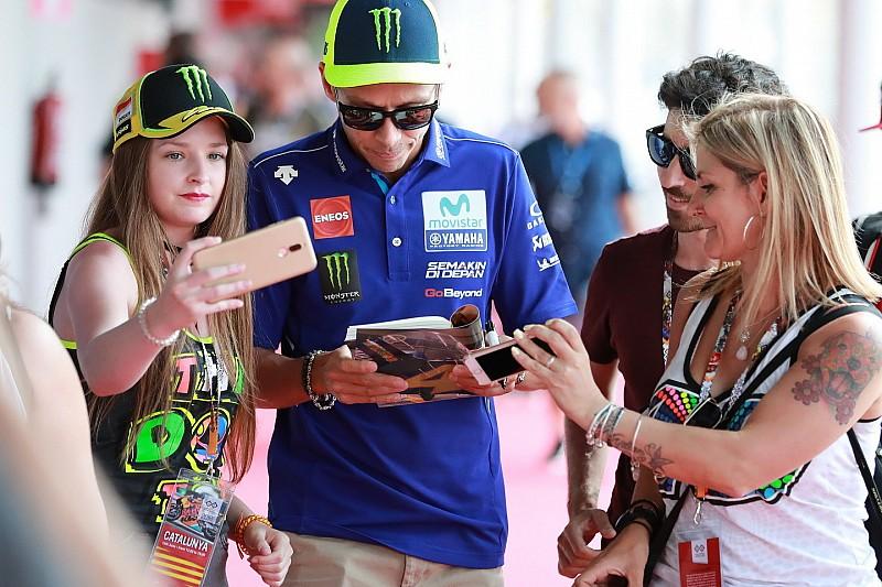Rossi szerint Lorenzo is bejelentkezhet a címért a Ducatival