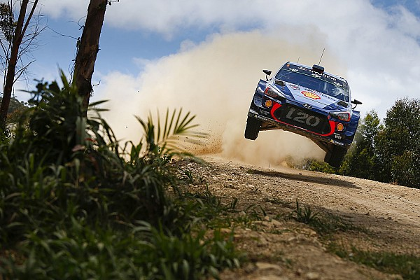 Australia WRC: Neuville into rally lead after Mikkelsen crashes