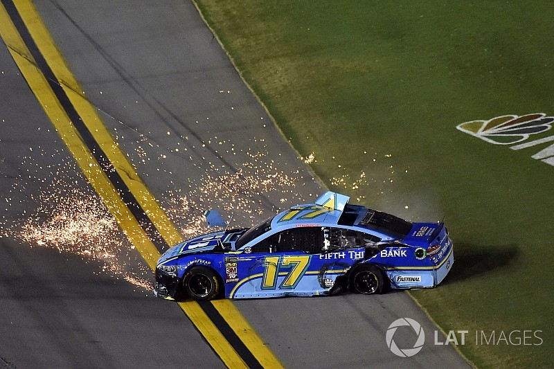 mountain dew to sponsor cup driver chase elliott through 2020