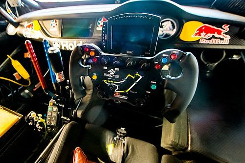 Whincup details F1-style steering wheel