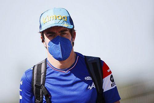 Alonso újra a Q3-ban végzett – a spanyol erős forgalomba került az utolsó körén