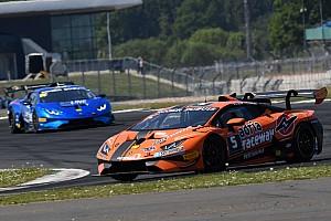 Lamborghini Super Trofeo Gara A Silverstone vittoria in volata di Altoè e Zampieri in Gara 2