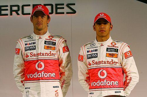 Button: Lewis naivan azt hitte, hogy maga köré építheti a csapatot