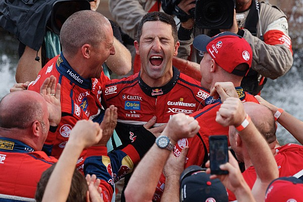 Supercars Whincup, McLaughlin reflect on wild Supercars title conclusion