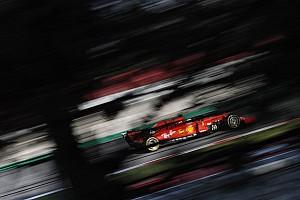 Képgaléria: Leclerc a Ferrari SF90 volánja mögött Barcelonában